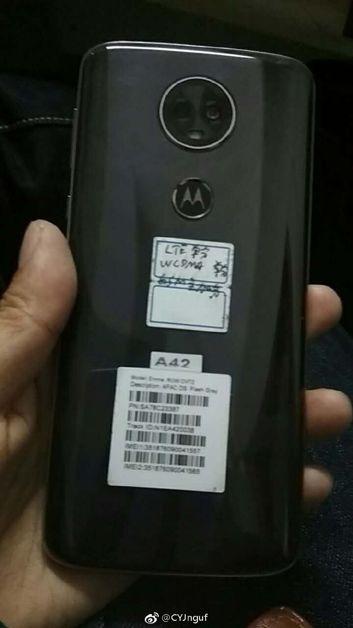 Moto E5 plus na żywo