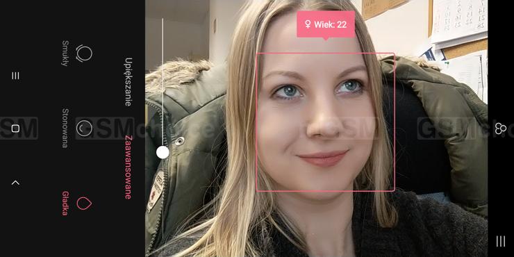 Przykład zgadywania wieku przez aplikację aparatu