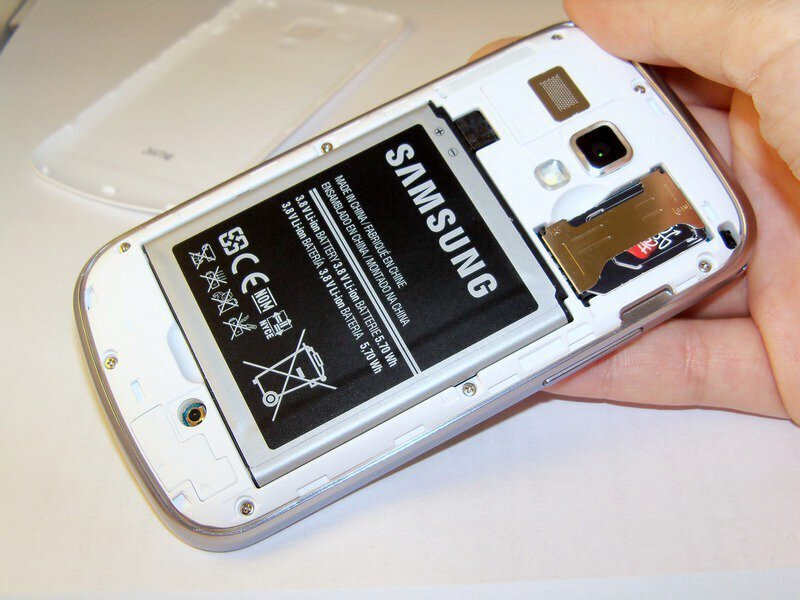 how to put sim card in samsung j5 prime battery
