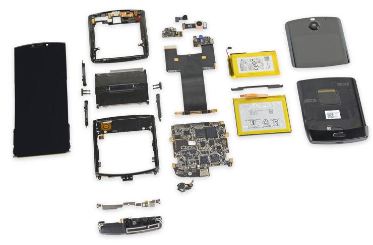 Motorola Razr w kawałkach