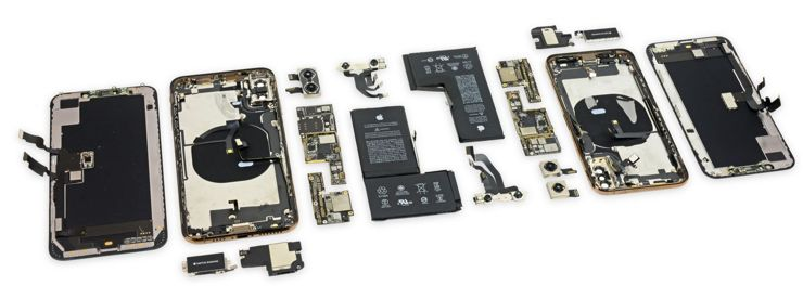iPhone Xs i Xs Max w kawałkach