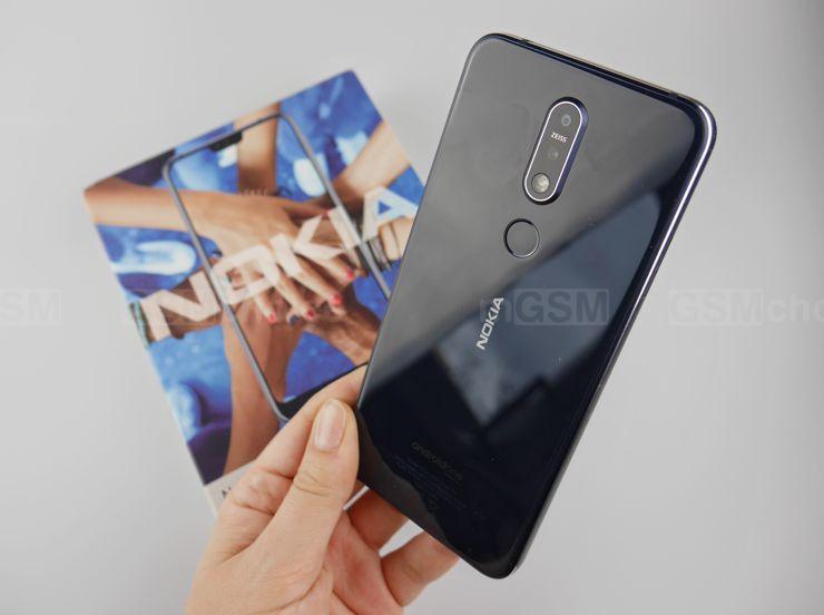 Kusi wyglądem, ekranem i Androidem One