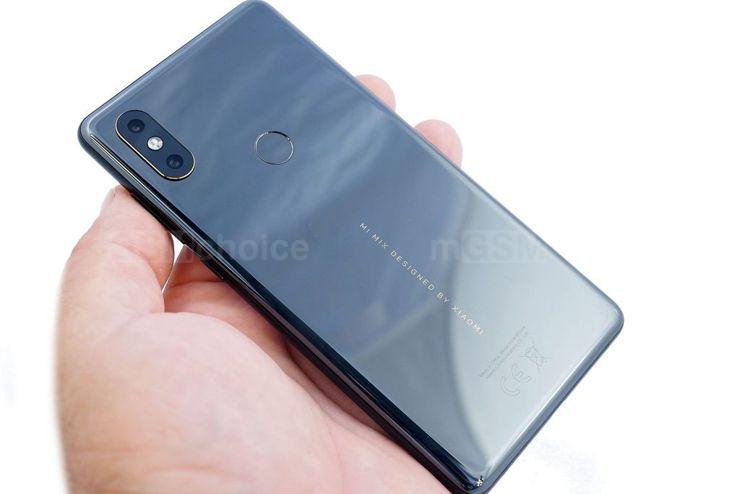 Xiaomi Mi MIX 2S miał zupełnie inny nadruk z tyłu