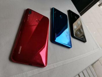 3 kolory Huawei Y7 2019 i dwa Huawei Y6 2019