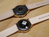 Porównanie złotej wersji ubiegłorocznego Galaxy Watch i złotej wersji nowego Galaxy Watch Active