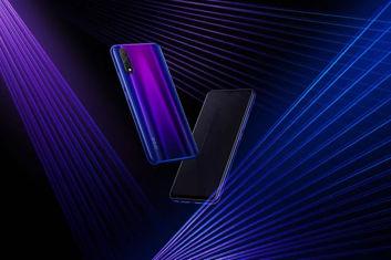Wersje kolorystyczne nowego smartfona z serii iQOO