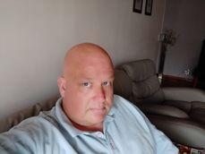 Selfie z przedniego aparatu - z rozmyciem tła, upiększeniem i