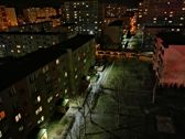 Zdjęcia nocne w trybie auto (górny rząd) i w trybie nocnym (dolny rząd)