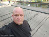 Selfie z rozmywaniem tła i zwykłe