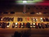 Porównanie zdjęć w nocy w trybie automatycznym i nocnym