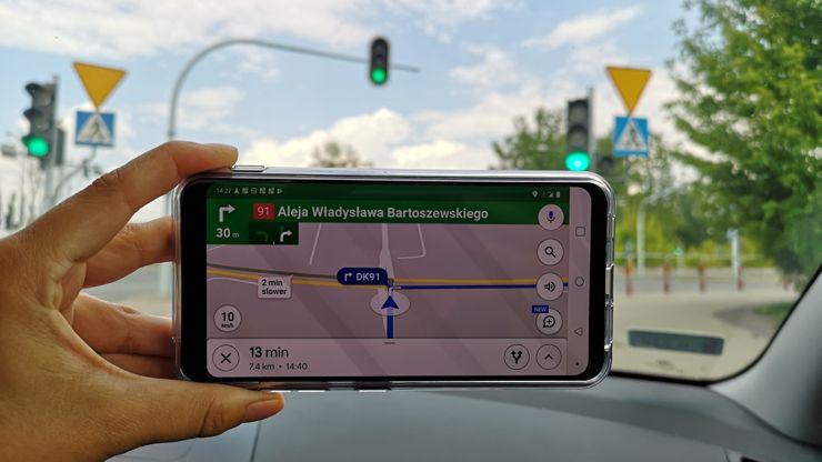 Smartfon sprawdza się doskonale w roli nawigacji
